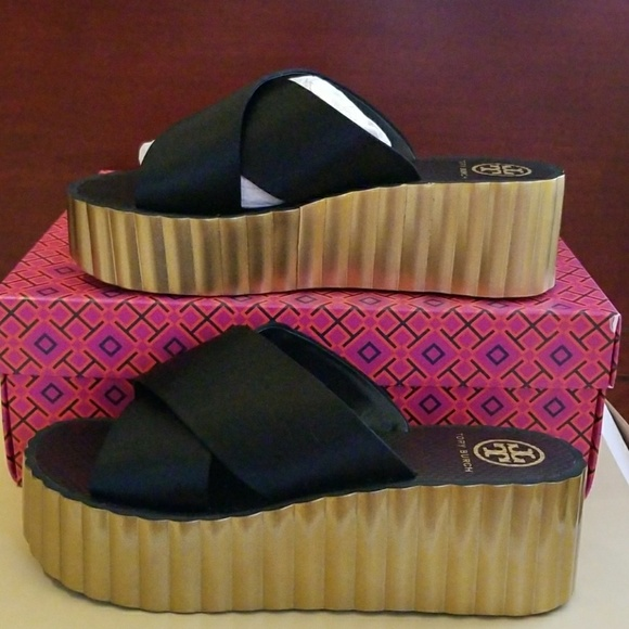 f4be7798f1be TORY BURCH SCALLOP WEDGE FLIP FLOPS